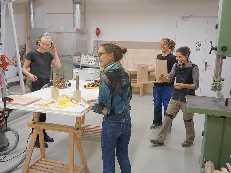 Bildhauerei - transmedialer Raum Werkstätten